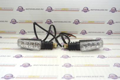 Указатели поворотов передние GR250 (пара)